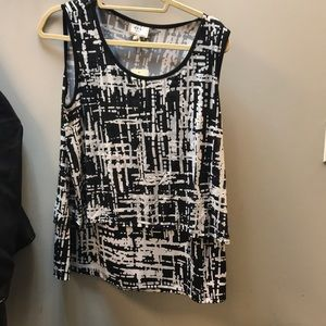 NWT Black and white blouse